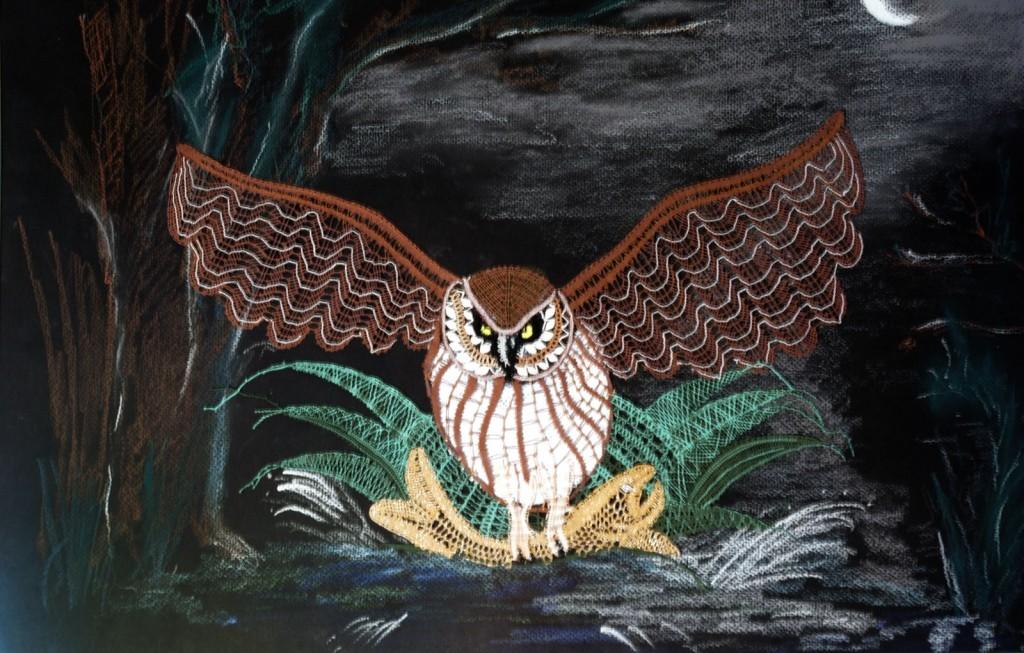 Hibou des marais<br> Dentelle figurative à fils coupés